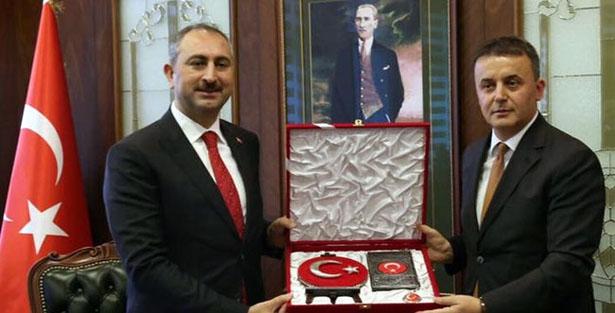 ADALET BAKANI GÜL, BAŞSAVCI KOCAMAN'I ZİYARET ETTİ