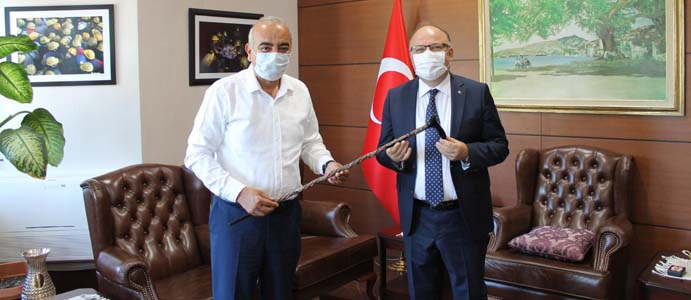 BAŞKAN BOZKURT,  VALİ TUTULMAZ'I ZİYARET ETTİ
