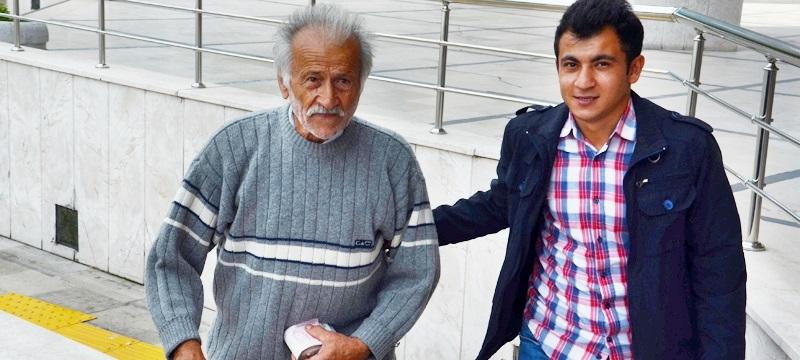BİR TOMAR PARAYLA GEZİNCE POLİSLER ALARMA GEÇTİ...
