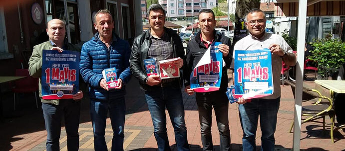 ÇAYCUMA'DA BİLDİRİ DAĞITARAK 1 MAYIS'A KATILIM ÇAĞRISI YAPTILAR