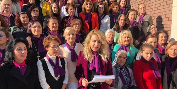 CHP'Lİ KADINLAR,  KADINA YÖNELİK ŞİDDETİ PROTESTO ETTİ