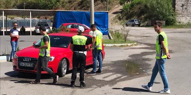 POLİS EMNİYET KEMERİ UYGULAMASI YAPTI