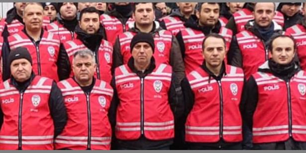 POLİS YENİ RENK YELEKLERİ İLE SAHADA OLACAK