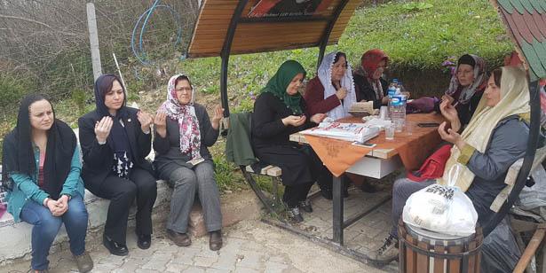 CHP'Lİ KADINLAR, GAZİ MEHMET SARI'NIN MEZARINI ZİYARET ETTİ