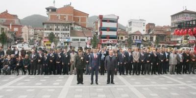 DEVREK'TE ÇANAKKALE ŞEHİTLERİ ANILDI