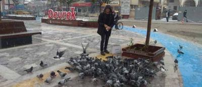 DEVREK'TE ESNAF GÜVERCİNLERİ UNUTMADI