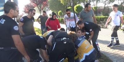 OTOMOBİLLE ÇARPIŞTI 1 POLİS YARALANDI